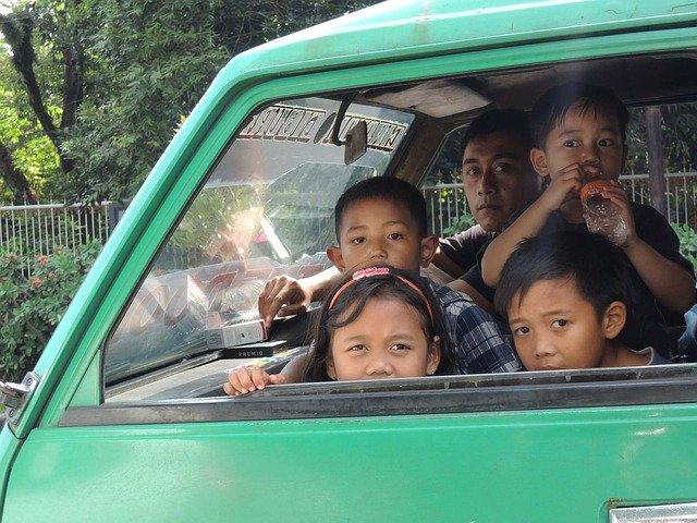 děti v autě