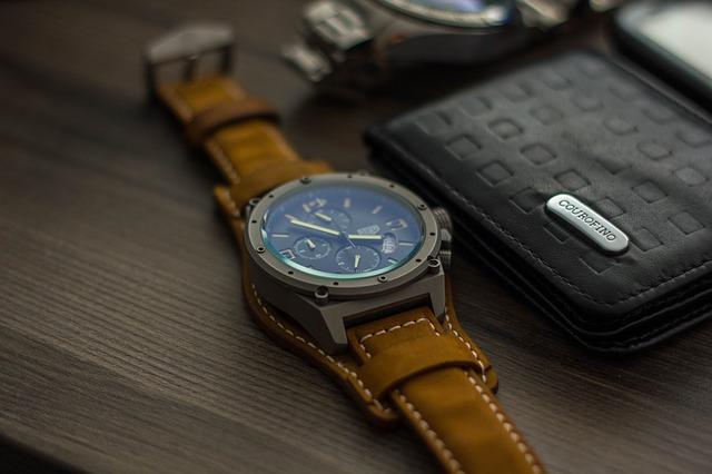 watch-2131895_640
